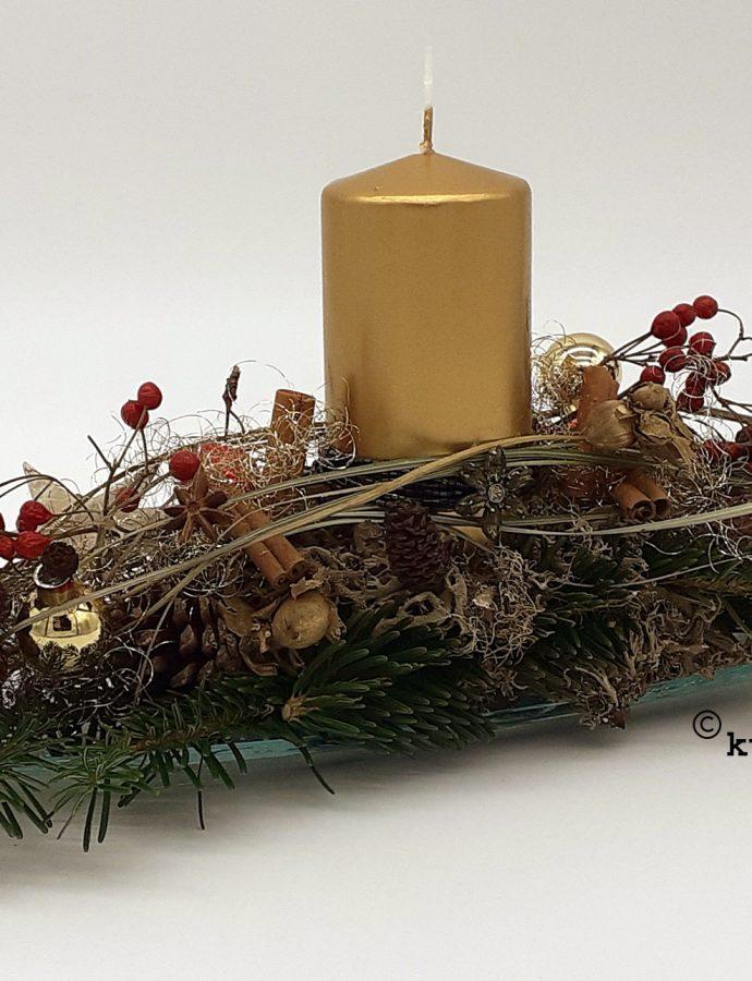 Edles Weihnachtsgesteck